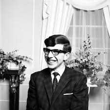 Remembering A Brief History Of Time : Stephen Hawking 3